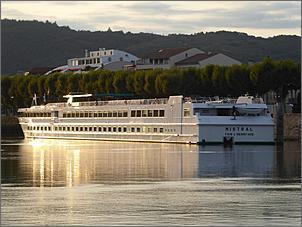 Klicken Sie auf die Grafik für eine größere Ansicht  Name:Mistral auf der Rhône.jpg Hits:63 Größe:69,4 KB ID:901146